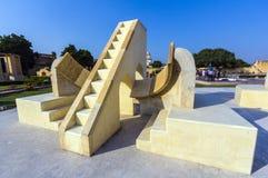 Architektonisches astronomisches Instrument in Jantar Mantar Observatory Lizenzfreies Stockfoto