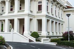 Architekturäußeres des thailändischen Artgebäudes stockbild