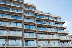 Architektur - Apartmenthäuser in Belgien, Flandern in der Rückseite stockfoto