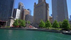 Architektur bei Chicago River stock video footage