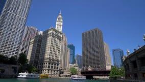 Architektur bei Chicago River stock footage