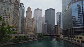 Architektur an Chicago-Stadtzentrum - CHICAGO, USA - 12. JUNI 2019 stock footage