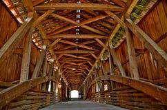 Architektur der überdachten Brücke lizenzfreie stockfotografie
