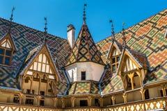 Architektur der historischen Pflegeheime von Beaune, Frankreich lizenzfreie stockfotos