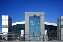 Architektur der modernen Bahnstation im sonnigen Wetter Adler im Sommer Lizenzfreie Stockfotos