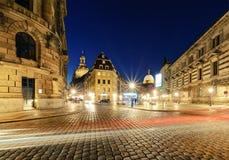 Architektur Dresden mit Licht schleppt am Abend deutschland Lizenzfreie Stockfotografie