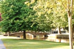Architektur in England-Steinbrücke cotswolds lizenzfreies stockbild