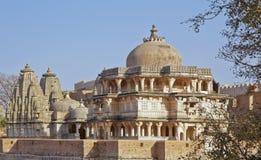 Architektur-hinduistisches Jain Tempel Kumbhalghar Fort Lizenzfreie Stockbilder