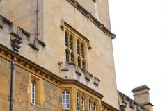 Architektur im England-Steingebäude stockfoto