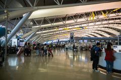 Architektur/Innenraum internationalen Flughafens Kansais KIX, Osaka, Japan Lizenzfreie Stockfotografie