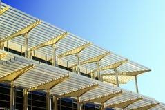 Architektur mit Sonnevorhängen Stockfotos