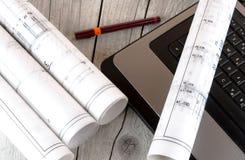 Architektur rollt Architekturplan-Architektenpläne stockbilder