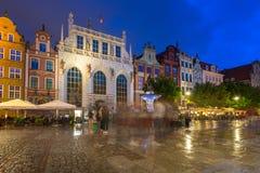 Architektur von Artus Court in Gdansk nachts, Polen Lizenzfreie Stockfotografie