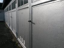 Architektur von generischen Garagen Stockfotografie