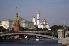 Architektur von Moskau der Kreml Sonniger warmer Morgen in einem Dorf, Russland, Sartakovo Lizenzfreie Stockfotografie
