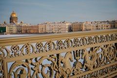 Architektur von St Petersburg, Russland Br?cken und Geb?ude von St Petersburg lizenzfreie stockbilder