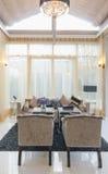 Architektur-Wohnzimmer-Innenraum des q-Haus Prukpirom-Regenten Rachapruk- Ratanathibet Lizenzfreie Stockbilder
