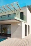 Architektura, bielu dom, plenerowy obraz stock