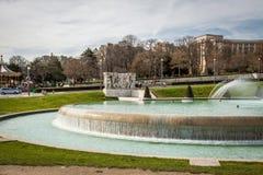Architektura i fontanna w Paryskim France Zdjęcia Royalty Free