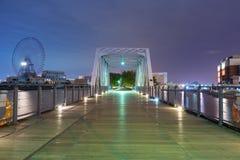 Architektura Minato Mirai 21 okręg w Yokohama przy nocą Zdjęcia Royalty Free
