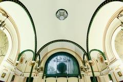 Architektura wśrodku Saigon centrali urzędu pocztowego Zdjęcia Stock