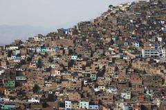 Architekturchaos in den Armutzonen, Lima, Peru Stockbilder