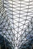Architekturdach hergestellt vom Stahl und vom Glas Detail des Palastes von t Lizenzfreie Stockfotos