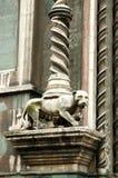 Architekturdetails über Santa Maria del Fiore-Kathedrale Stockfotografie