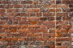 Architekturhintergrund - eine alte Backsteinmauer Stockfoto
