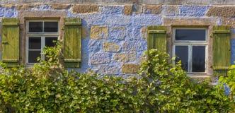 Architekturhintergrund von einem blauen deutschen Haus Lizenzfreie Stockfotos