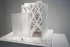 Architekturpapiermodell auf Anzeige Lizenzfreie Stockbilder