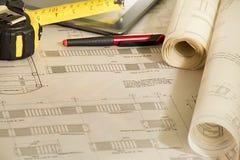 Architekturpläne für Bau stockbilder
