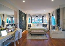 Architekturschlafzimmerinnenraum des q-Haus Prukpirom-Regenten Rachapruk- Ratanathibet Lizenzfreies Stockbild