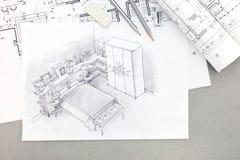 Architekturskizze des Schlafzimmers mit Plänen, Bleistifte, Radiergummi Stockfotos