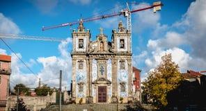 Architektursonderkommando des Heiligen Ildefonso Catholic Church in Porto, Portugal lizenzfreie stockfotografie