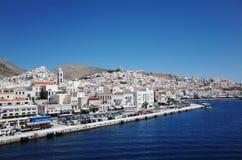 Architektursonderkommando vom neoklassischen Gebäude auf der Insel von Syros, Griechenland Lizenzfreie Stockfotos