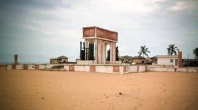 Architektury łękowaty drzwi Żadny powrót, Ouidah, Benin obraz stock