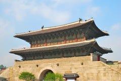architektury bramy uroczysty majestatyczny pałac zdjęcia stock