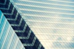 Architektury zamknięty up, okno drapacz chmur konkretny szkła Fotografia Stock