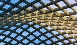 Architekturzusammenfassung genommen von der Decke beim Kogod Courty stockfotografie