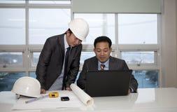 Architetti che lavorano alla progettazione Fotografie Stock