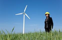 Architetto su energia eolica di ecologia del prato Fotografia Stock