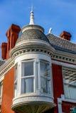 Architettura all'aperto di una casa di bed and breakfast del mattone di vittoriano Fotografia Stock Libera da Diritti