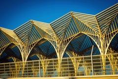 Architettura astratta della stazione di Oriente a Lisbona fotografie stock
