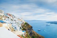 Architettura bianca sull'isola di Santorini, Grecia Immagini Stock Libere da Diritti