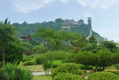 Architettura cinese in cima alla montagna Immagini Stock
