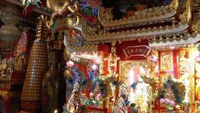 Architettura cinese dentro del tempio Bangsaen in Tailandia video d archivio