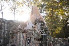 Architettura del buddista anziano nel parco archeologico di Angkor Monumento della Cambogia - Siem Reap Paesaggio popolare di fil Fotografie Stock Libere da Diritti