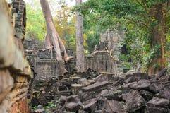 Architettura del buddista anziano nel parco archeologico di Angkor Monumento della Cambogia - Siem Reap Paesaggio popolare di fil Fotografia Stock Libera da Diritti