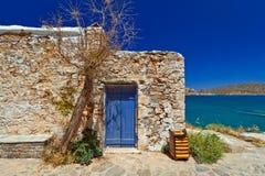 Architettura del Cretan alla baia di Mirabello Immagine Stock Libera da Diritti